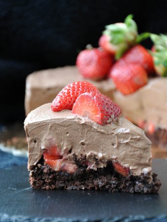 Vegan chocolate mousse cake with strawberries