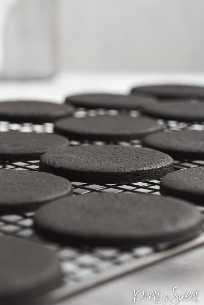 Black cocoa shortbread cookies ckise up
