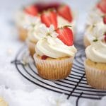 white chocolate and mascarpone strawberry cupcakes